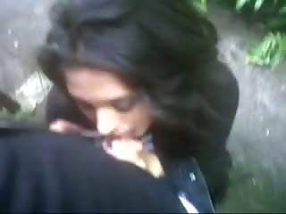 Outdoor quickie deepthroat job for duo
