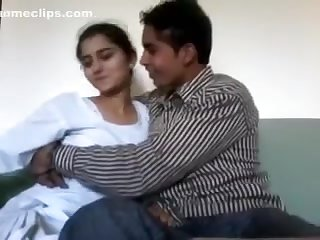 Nice Hawt Pakistani Ultra-cutie With Lover Home