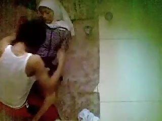 Hijabi Wild Arabian immature Drill Caught By Hidden Webcam