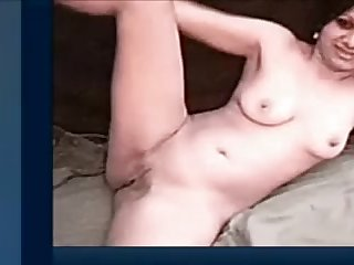Indian chick disrobed on livecam