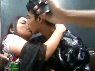 Bangladeshi School Student's Providing A Smooch Movies - 6
