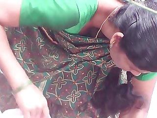 Chennai molten aunty deep bosom in public