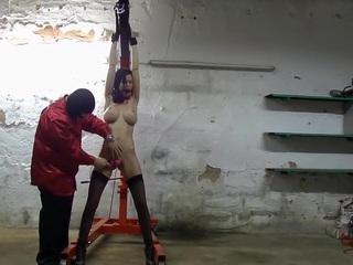 Brutal perverse Werkstatt Folter