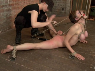 Iona Grace & Mz Berlin in Iona Grace - Complete Edited Live Show - HogTied