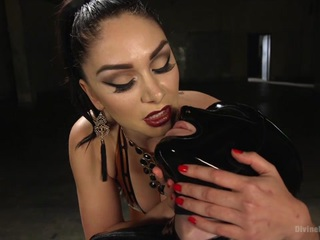 Lea Lexis & Tony Orlando in Latex Lea Torments Rubber Fuck Boy - DivineBitches