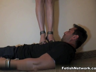 Brunette BDSM queen loves her slave
